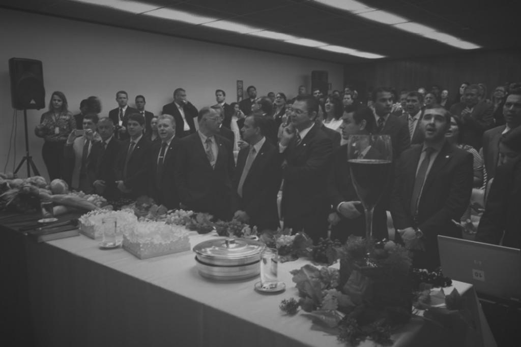 frenteparlamentarevangelica_Fotor